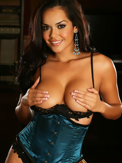alluring-vixens-daisy-teases-with-her-big-tits-in-a-satin-corset